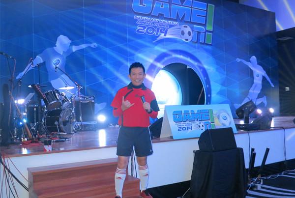 emcee-melvin-aeria-footballer